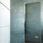 двери+ облицовка стены, каменный шпон
